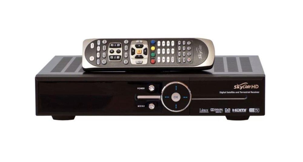SkyGate HD мигает лампочкой и не включается